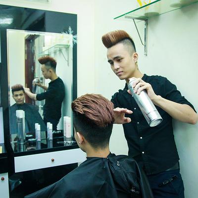 Cắt tóc chuyên nghiệp