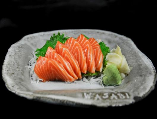 Sashimi tươi ngon