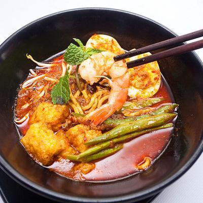 Đầu bếp am hiểu ẩm thực đa quốc gia chế biến
