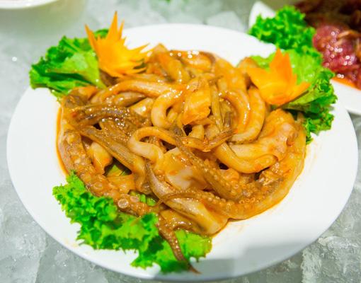 Tẩm ướp gia vị hấp dẫn trên từng món ăn