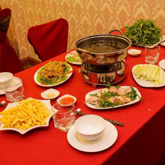 """Set gà đồi """"siêu chất"""" cho 4 người tại NH Sơn Lâm"""