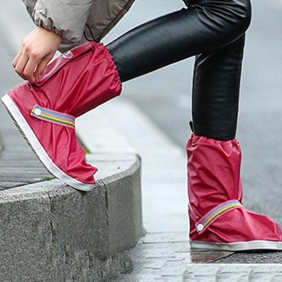 Đôi ủng đi mưa loại dày nhiều họa tiết tiện dụng