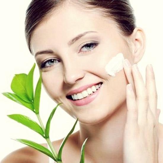 Trắng da, trị mụn, se khít lỗ chân lông với dịch vụ chăm sóc da mặt tại Mi's Beauty Salon - Chỉ 95.000đ