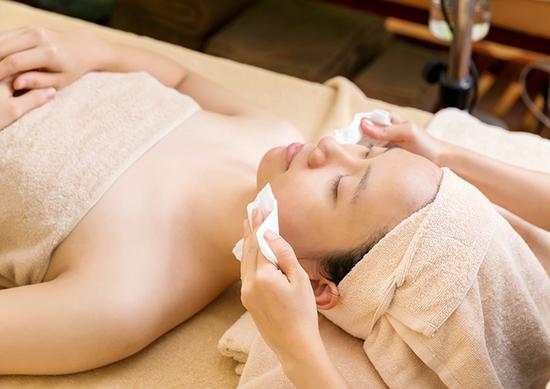 Chăm sóc da mặt collagen tươi + Massage cổ vai gáy Thanh Hiền Luxury Spa