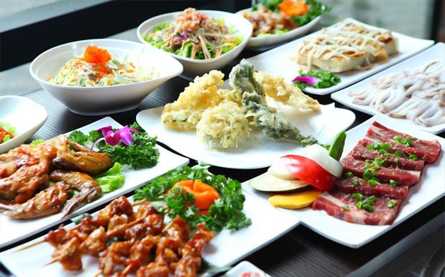 Các món khai vị rất đa dạng, bao gồm đủ loại
