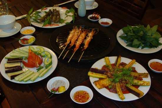 Thưởng thức các món nướng hấp dẫn, khung cảnh lãng mạn tại Việt Quán BBQ chỉ với 75.000đ (Sử dụng tối đa: 02 phiếu/01 hóa đơn thanh toán)