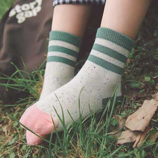 5 đôi tất len cao cổ sắc màu cho bé size 1-10
