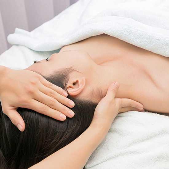 Chọn 1 trong 3 dịch vụ massage tinh dầu thư giãn