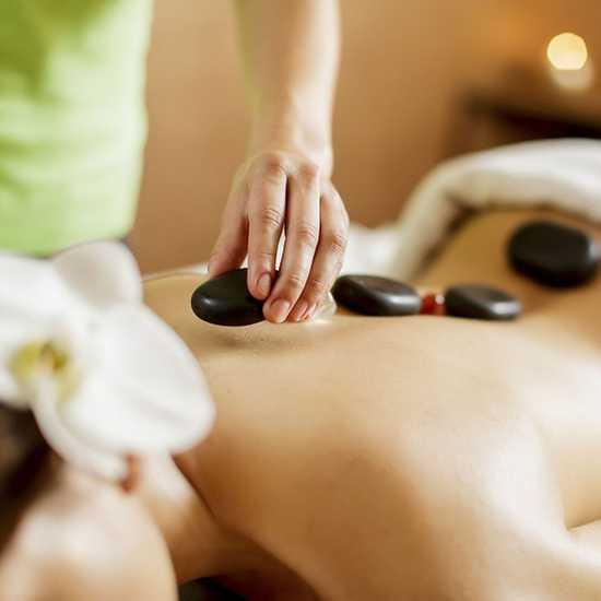 Massage body tinh dầu, đá nóng thiên nhiên 60'