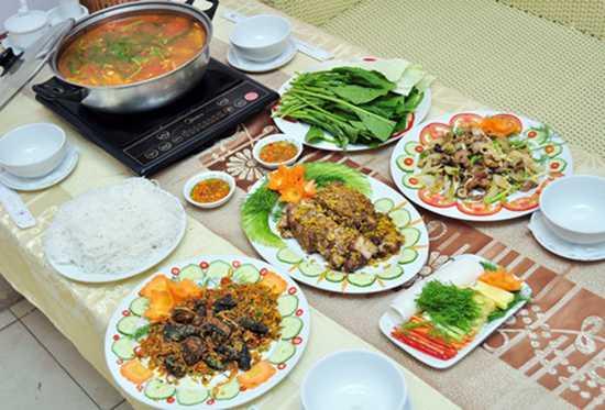 Đặc sản Cá Nheo 04 món cho 03 - 04 người tại Nhà hàng Hoa Long - Chỉ 245.000đ