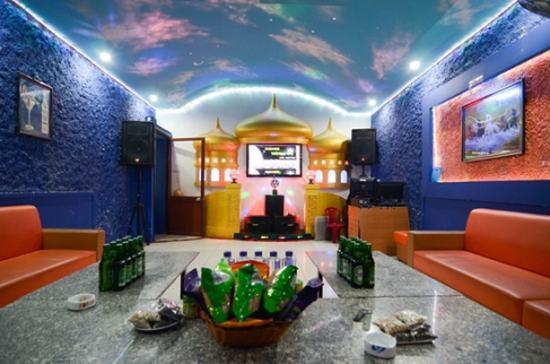 Phiếu hát tại KARAOKE WINDOW, thư giãn cùng bạn bè người thân - Chỉ với 50.000đ/giờ hát