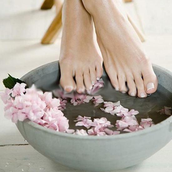Làm căng da, giảm nổi gân tay và chân bằng parafin cao cấp tại Water Spa