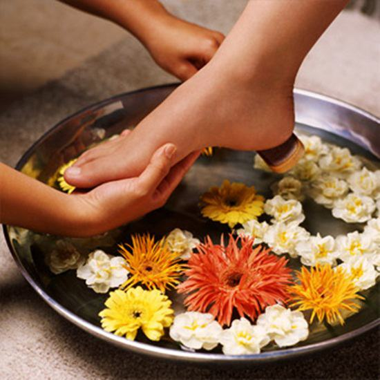 Dịch vụ Massage foot + đá nóng, mang đến những giây phút thư giãn thoải mái tại Spa Watpo - Chỉ 70.000đ