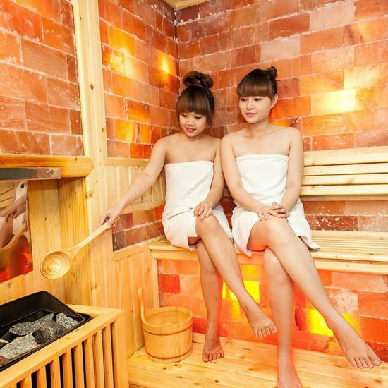 Massage body miễn phí xông hơi đá muối Hymalaya