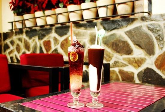 Thưởng thức tất cả các loại nước uống độc đáo trong không gian sang trọng, ấm cúng tại Coffee Phúc Âm chỉ với 35.000đ