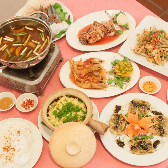 Set ăn 7 món tự chọn dành cho 4 người tại Nhà Hàng Vietheritage - Chỉ 375.000đ