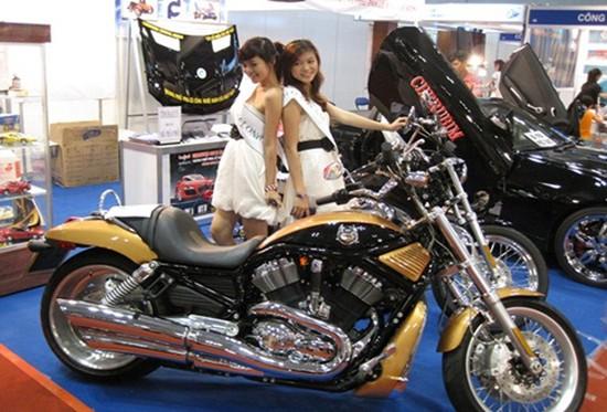Dịch vụ phủ nano dành cho xe máy - sản phẩm chính hãng từ Nhật Bản Cherubim Crystal Shield - Chỉ 145.000đ được phiếu 590.000đ