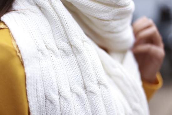 Khăn len ấm áp cho bạn nữ