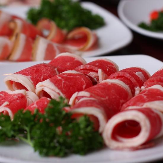 """""""Choén"""" ngay tiệc lẩu hơn 60 món nhúng- NH Dominos"""