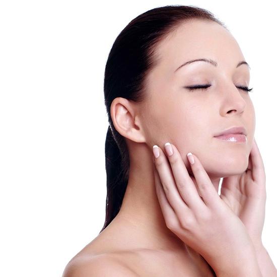 Se khít lỗ chân lông, kết hợp điều trị mụn với công nghệ Super Diamonds - Derma Laser Clinics