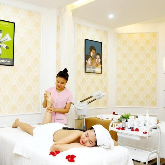 Massage body tinh dầu, chạy đá nóng giảm nhức mỏi Mùa Xuân Spa