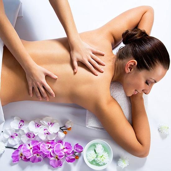 Massage body bằng tinh dầu + Đá nóng tại Spa Snow White