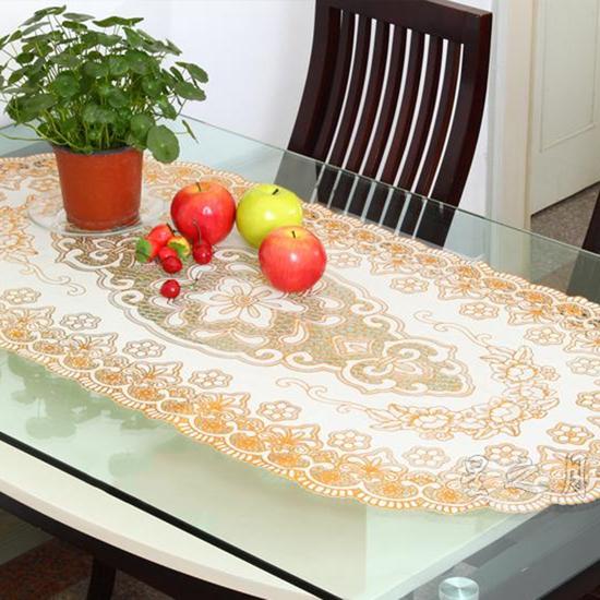 02 khăn trải bàn dập hoa nổi sang trọng (60x120cm)