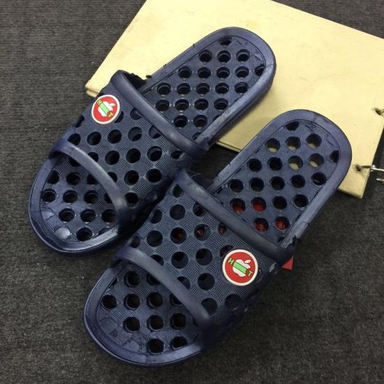 4 đôi dép đi trong nhà/ nhà tắm tiện dụng