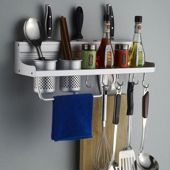 Bộ giá treo đựng đồ nhà bếp gọn gàng, ngăn nắp