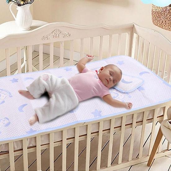 Bộ chiếu lụa điều hòa kèm gối mát mẻ cho bé