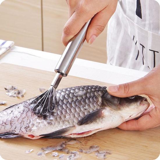 Combo 2 dụng cụ nạo dừa, đánh vẩy cá tiện dụng