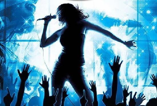 Tụ tập cùng bạn bè, người thân, thỏa sức hát hò với phiếu hát tại KARAOKE WINDOW - Chỉ với 30.000đ/giờ hát