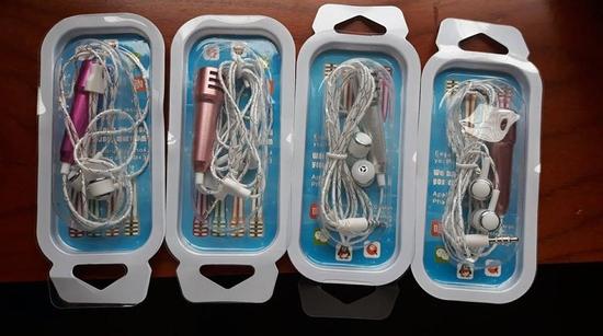 Micro Mini Hát Karaoke kèm tai nghe - Micro KTN