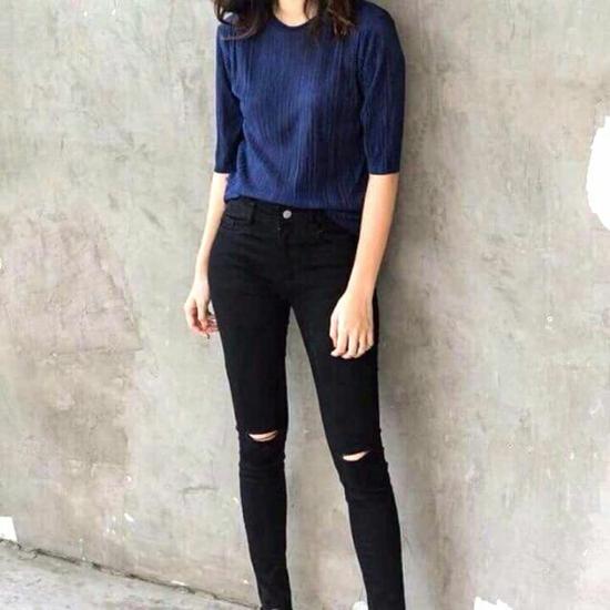 Quần Jeans rách gối