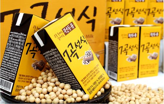 16 hộp Sữa đậu nành ngũ cốc 7 vị ( 200ml/hộp)