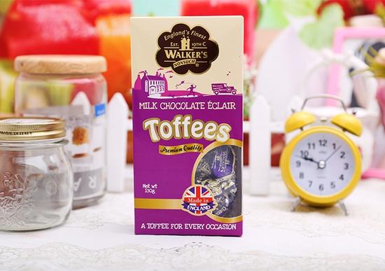 Kẹo sô cô la Milk Chocolate Éclair Toffees Walker's Nonsuch hộp 150g