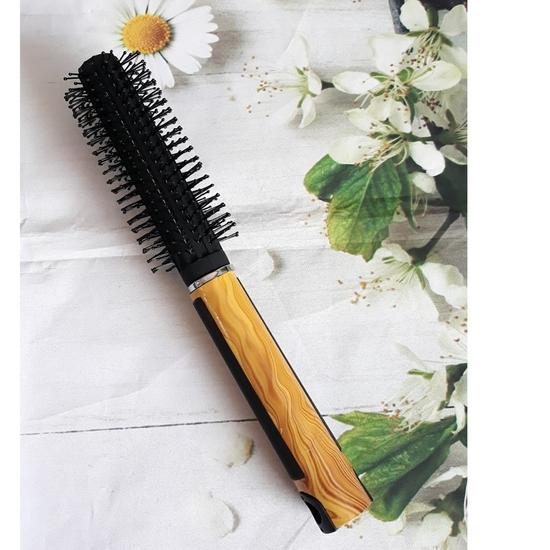 Lược tròn tạo kiêu tóc có tay cầm cán gỗ