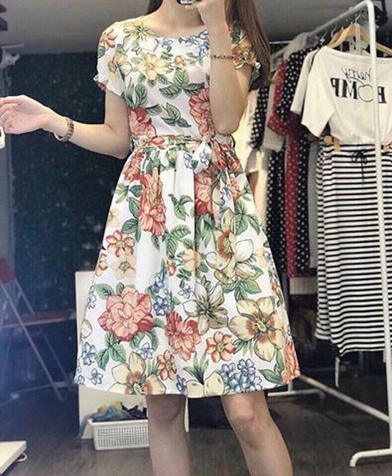 Váy hoa xòe