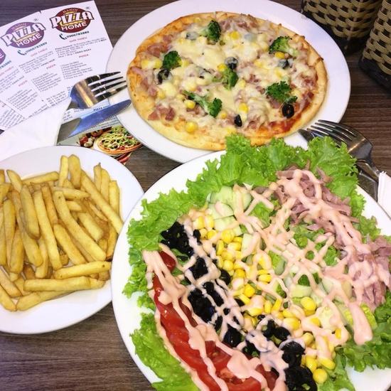 Combo Pizza + khoai tây chiên + salad hấp dẫn tại Pizza Home