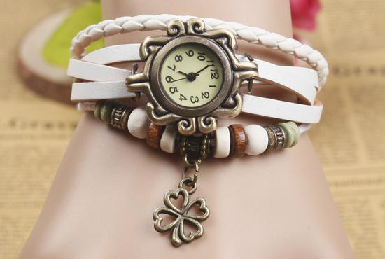Đồng hồ vòng tay vintage Trắng