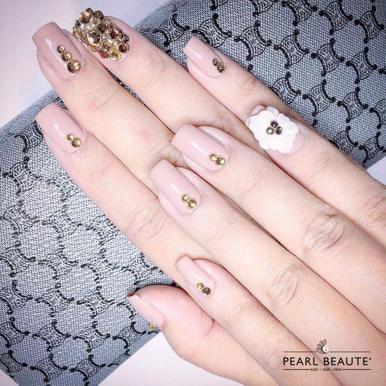 Voucher Sơn sửa, nhặt da vẽ móng + uốn mi 3D tại Pearl Beaute'
