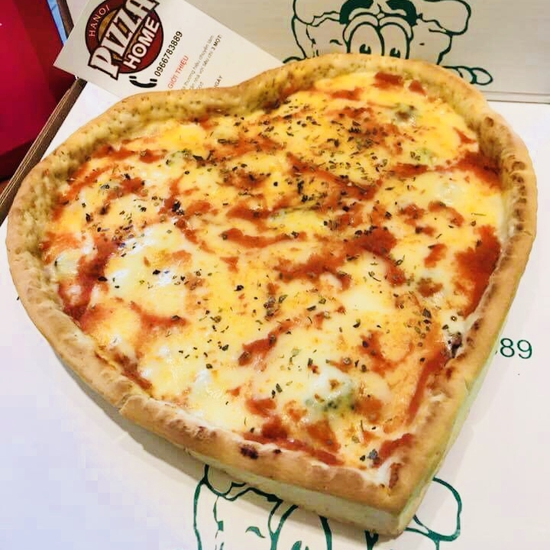 Pizza nhân nhồi nhiều vị tại Pizza Home