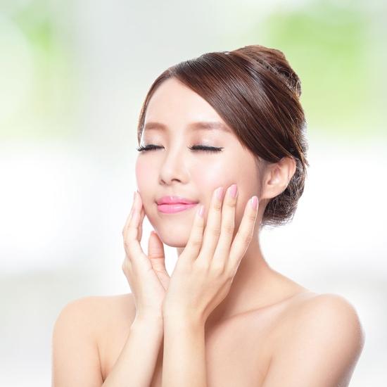 Chăm sóc da mặt chuyên sâu cho làn da trắng sáng tại Queen Spa