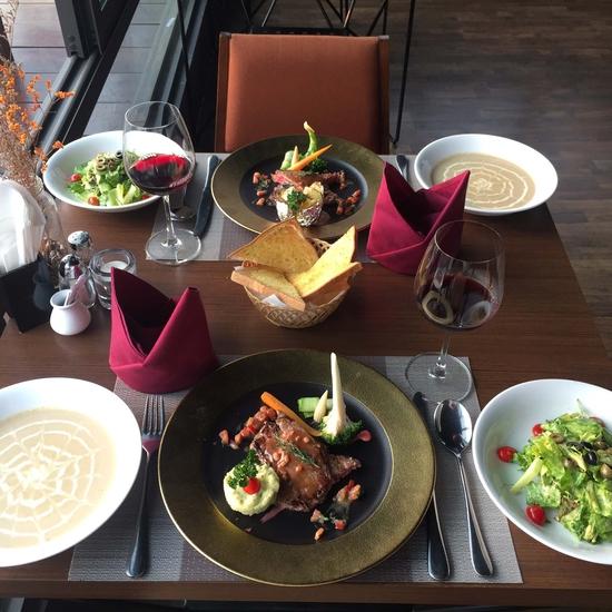 Set đặc biệt dành cho 2 khách tại Nhà hàng Panorama 13 Lý Thái Tổ