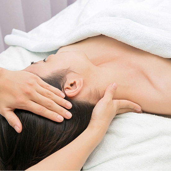 Liệu trình massage thư giãn, chăm sóc cổ vai gáy tại Peacock Beauty Spa