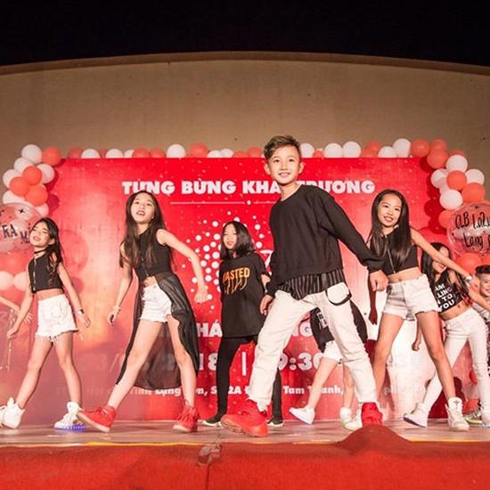 Khóa Học Zumba Kids 18 Buổi cho bé đón hè tại Âu Việt Yoga & Dance