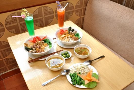 Combo với các đồ uống và đồ ăn cực hấp dẫn dành cho 02 người tại Cafe Vicky - Chỉ với 83.000đ