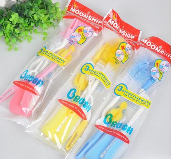 Bộ 5 dụng cụ vệ sinh bình sữa & bấm móng tay xinh