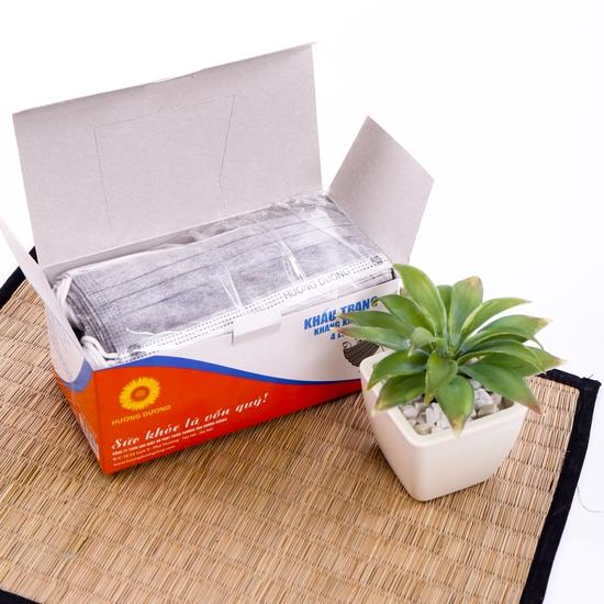 2 hộp khẩu trang tinh chất than kháng khuẩn 4 lớp