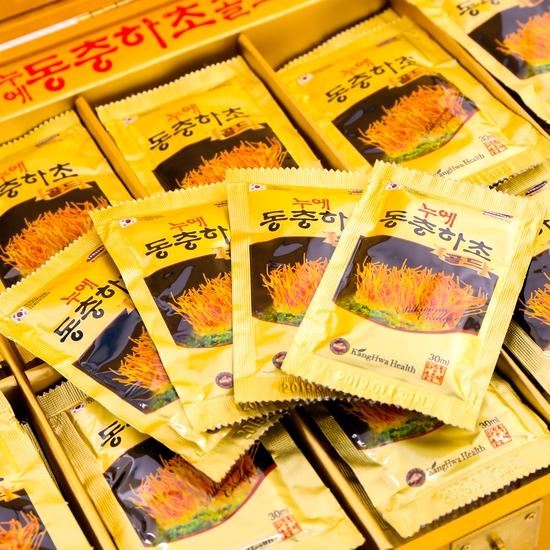 Đông trùng hạ thảo 60 túi nước hộp gỗ- NK Hàn Quốc